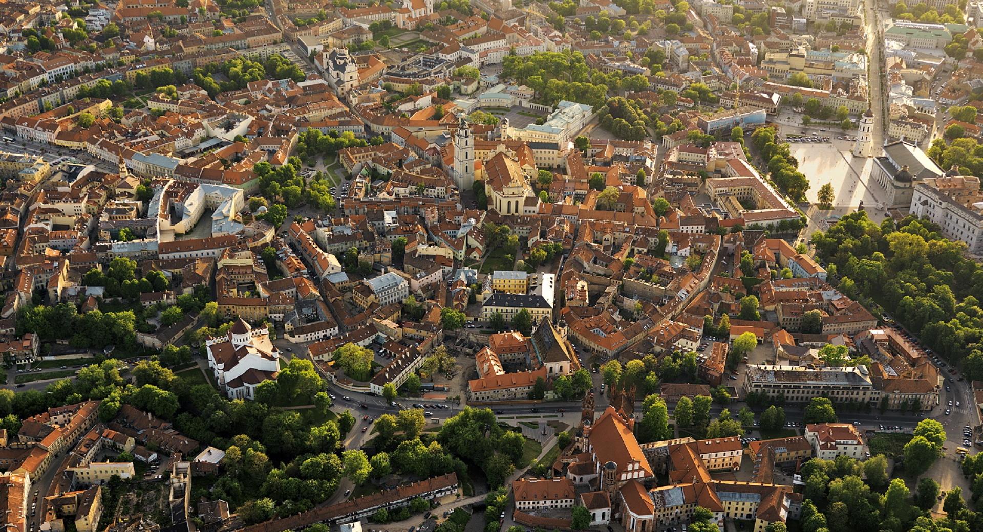 1535549087_0_Vilnius_Panorama_04-e250f1212af7cfc60fb2ac700a8608e3.jpg