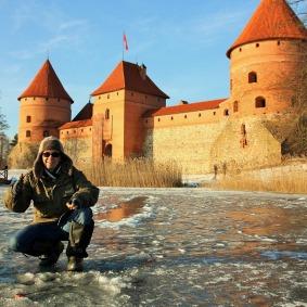 Ice-fishing-Trakai-3-de48e558ced2f2ea271db32cc541fc2a.jpg
